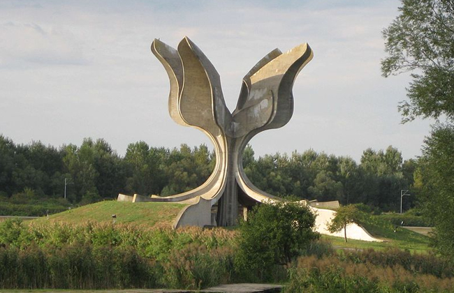 Jasenovac - Monument
