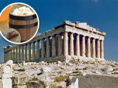 Bosnier stiehlt Akropolis-Stein