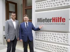 Wohnbaustadtrat Michael Ludwig und Christian Bartok, Leiter der Mieterhilfe