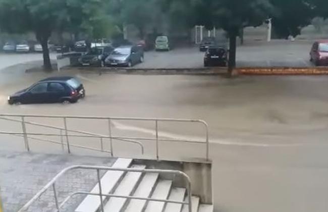 Apokalyptische Zustände in Kroatien Zadar steht unter  ~ Geschirrspülmaschine Wasser Steht