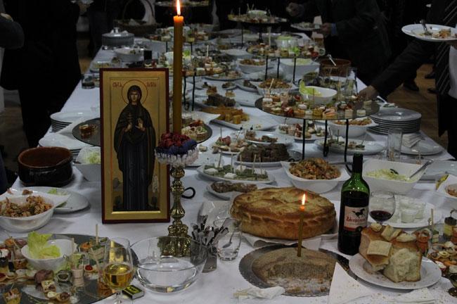Slava-Tisch-Essen
