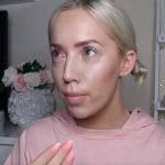 Bloggerin rastet aus, weil ihr Gratis-Übernachtung im Hotel verwehrt wurde (VIDEO)