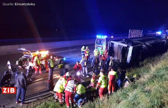 A1-Bus-Lkw-Autounfall
