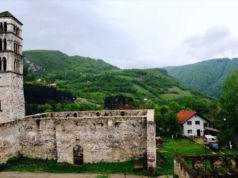 Kirche-der-Hl.-Marija-Fehtija-Moschee-Jajce