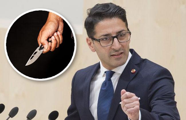 Politiker zückt Messer