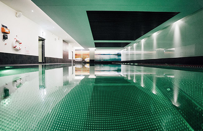 HOLMES_PLACE_INDOOR_POOL
