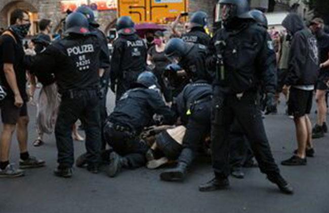 POLIZEI_DEMONSTRATION_CORONA_BERLIN